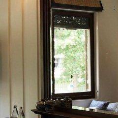 Отель The Bhuthorn Bed and Breakfast Таиланд, Бангкок - отзывы, цены и фото номеров - забронировать отель The Bhuthorn Bed and Breakfast онлайн комната для гостей фото 2