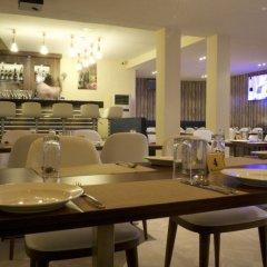 Отель Scarlet Lodge Нигерия, Лагос - отзывы, цены и фото номеров - забронировать отель Scarlet Lodge онлайн питание