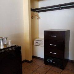 Отель Casa Bella Inn США, Лос-Анджелес - отзывы, цены и фото номеров - забронировать отель Casa Bella Inn онлайн сейф в номере