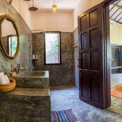 Отель Red Flower Cottages Homestay ванная фото 2