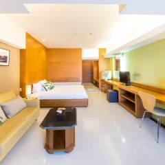 Апартаменты Laemtong Service Apartment комната для гостей