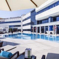 Отель Crowne Plaza Dubai - Deira Дубай бассейн фото 2