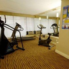 Отель Park Inn & Suites by Radisson, Vancouver Канада, Ванкувер - отзывы, цены и фото номеров - забронировать отель Park Inn & Suites by Radisson, Vancouver онлайн фитнесс-зал фото 2