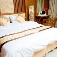 Отель Green Point Resort Бангкок комната для гостей фото 2