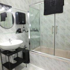 Отель Dorms & Doubles ванная