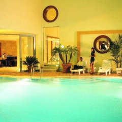 Mediterranean Hotel фитнесс-зал