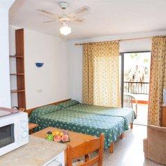 Отель Apartamentos Sol Romantica комната для гостей фото 5