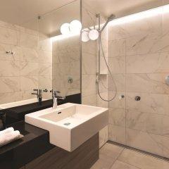 Отель Adina Apartment Hotel Hamburg Speicherstadt Германия, Гамбург - 1 отзыв об отеле, цены и фото номеров - забронировать отель Adina Apartment Hotel Hamburg Speicherstadt онлайн ванная