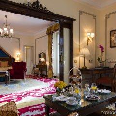 Hotel Ritz Мадрид в номере
