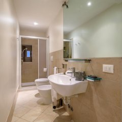 Отель Lion 2 Италия, Венеция - отзывы, цены и фото номеров - забронировать отель Lion 2 онлайн ванная фото 2