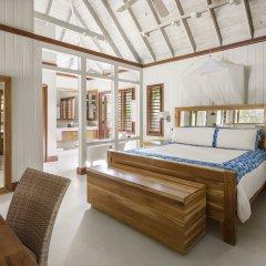 GoldenEye Hotel & Resort комната для гостей