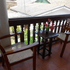 Отель Beach Haven Guest House (Mrs Wijenayake's Guest House) балкон