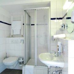Отель a&o Hamburg Hauptbahnhof ванная