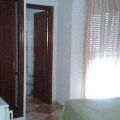 Отель Hostal Los Valencianos комната для гостей фото 2