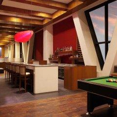 Отель Lemon Tree Premier Jaipur гостиничный бар