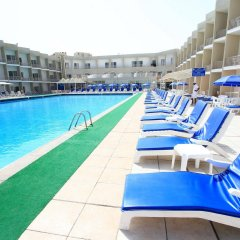 Beach Hotel Sharjah бассейн фото 3