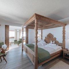Отель Der Greil - Wein & Gourmethotel Австрия, Зёлль - отзывы, цены и фото номеров - забронировать отель Der Greil - Wein & Gourmethotel онлайн комната для гостей фото 2