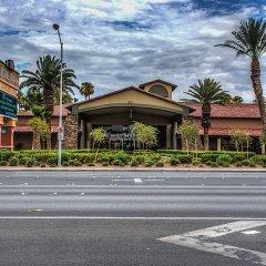 Отель Alexis Park All Suite Resort парковка