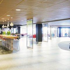 Отель ibis Schiphol Amsterdam Airport Нидерланды, Бадхевердорп - 7 отзывов об отеле, цены и фото номеров - забронировать отель ibis Schiphol Amsterdam Airport онлайн интерьер отеля фото 3
