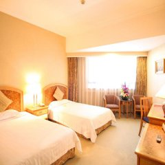 Century Plaza Hotel комната для гостей