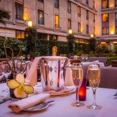 L'Hotel du Collectionneur Arc de Triomphe питание