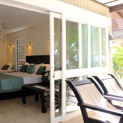 Отель Treasure Island Resort балкон