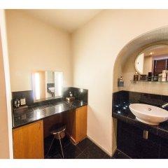 Отель Modern and Spacious Chic Flat in Knightsbridge Лондон ванная