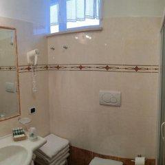 Hotel Roy Рокка Пьеторе ванная