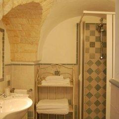 Отель Trulli Holiday Albergo Diffuso Альберобелло ванная