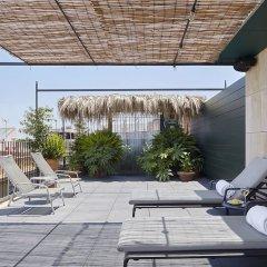 Отель Casa Camper Испания, Барселона - отзывы, цены и фото номеров - забронировать отель Casa Camper онлайн бассейн