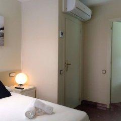 Отель Barcelona City Street Барселона сейф в номере