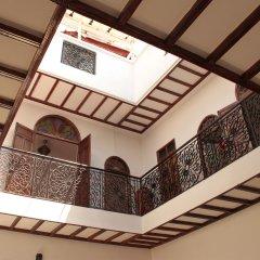Отель Riad Dar Nawfal Марокко, Схират - отзывы, цены и фото номеров - забронировать отель Riad Dar Nawfal онлайн интерьер отеля