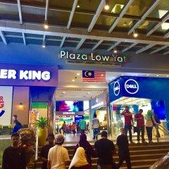 Отель Baral Service Suites Times Square Малайзия, Куала-Лумпур - отзывы, цены и фото номеров - забронировать отель Baral Service Suites Times Square онлайн гостиничный бар