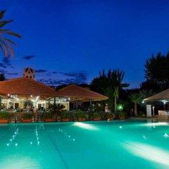 Отель Larissa Akman Park бассейн