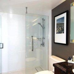 Отель DoubleTree by Hilton Hotel & Suites Victoria Канада, Виктория - отзывы, цены и фото номеров - забронировать отель DoubleTree by Hilton Hotel & Suites Victoria онлайн ванная