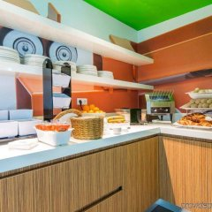 Отель Holiday Inn Express Utrecht - Papendorp питание фото 3