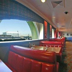 Отель Las Vegas Club Hotel & Casino США, Лас-Вегас - отзывы, цены и фото номеров - забронировать отель Las Vegas Club Hotel & Casino онлайн гостиничный бар