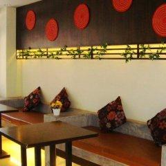Отель Meesuk Place гостиничный бар