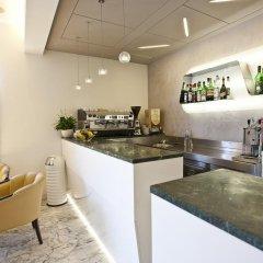 Отель Aurora гостиничный бар