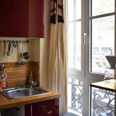Апартаменты Renovated Studio in Paris в номере