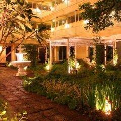 Отель Feung Nakorn Balcony Rooms and Cafe фото 6
