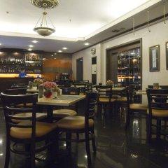 Отель Riviera Mansion Hotel Филиппины, Манила - отзывы, цены и фото номеров - забронировать отель Riviera Mansion Hotel онлайн гостиничный бар
