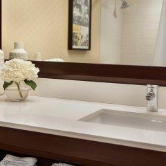 Отель Renaissance Los Angeles Airport Hotel США, Лос-Анджелес - 8 отзывов об отеле, цены и фото номеров - забронировать отель Renaissance Los Angeles Airport Hotel онлайн ванная