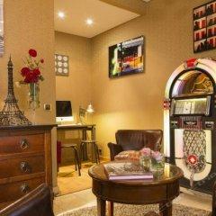 Hotel Des Arts Montmartre интерьер отеля