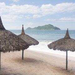 Отель The Palms Resort of Mazatlan пляж