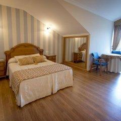Hotel Alpina Вильянуэва-де-Ароса комната для гостей фото 3