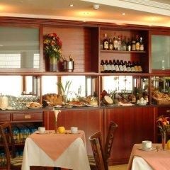Hotel Gran Legazpi гостиничный бар