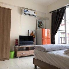 Отель Surasak Center Sri Racha комната для гостей фото 5