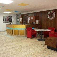 Отель Hardrock Motown Dom Hostel Германия, Кёльн - отзывы, цены и фото номеров - забронировать отель Hardrock Motown Dom Hostel онлайн гостиничный бар