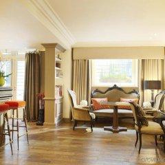 Отель Castille Paris - Starhotels Collezione Франция, Париж - 4 отзыва об отеле, цены и фото номеров - забронировать отель Castille Paris - Starhotels Collezione онлайн гостиничный бар
